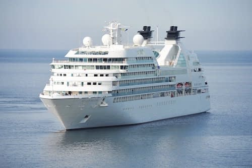 Cruise Raja Ampat Vessel Permit